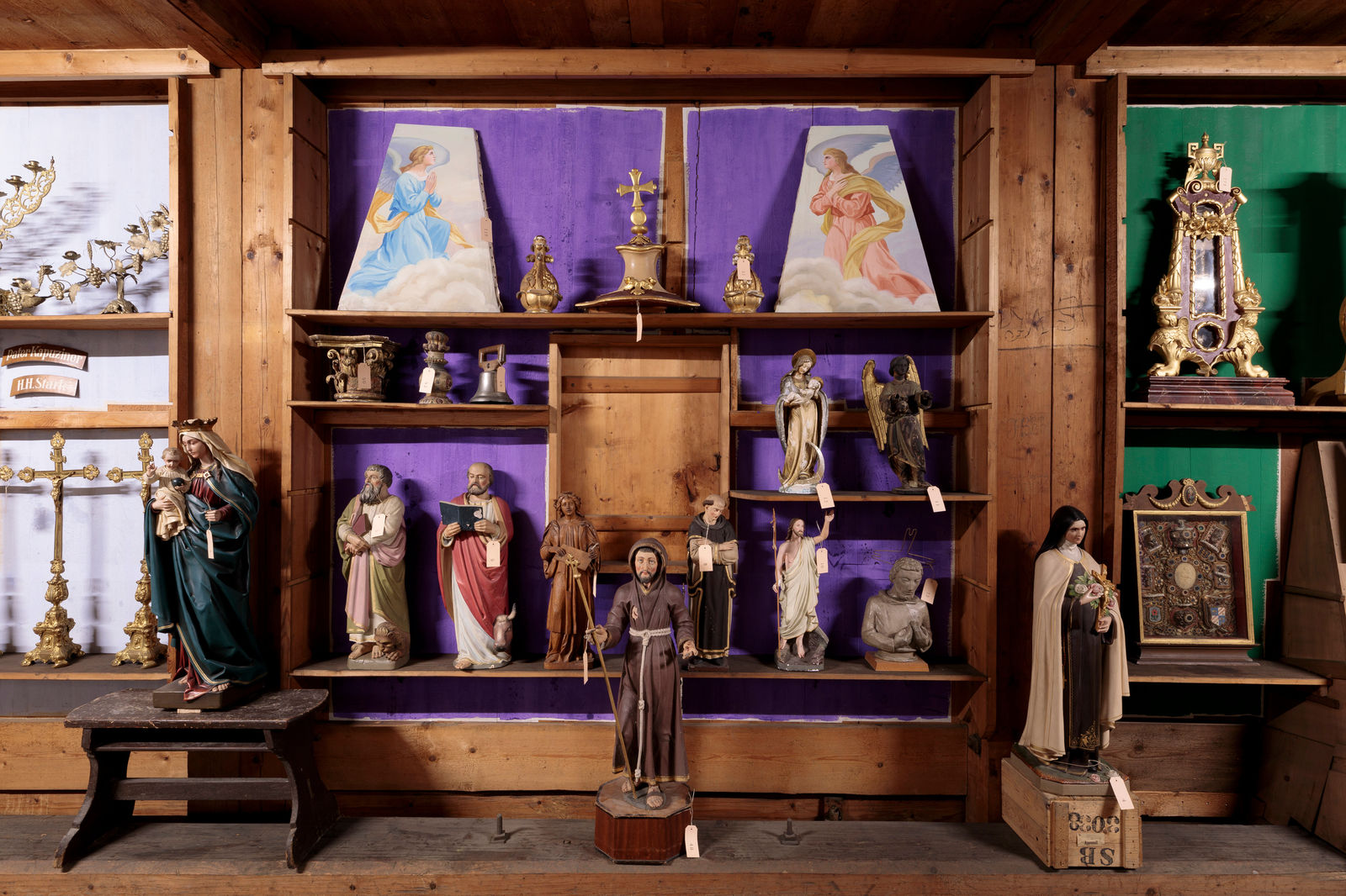 Heiligenfiguren, Fotografie: Hannes Thalmann