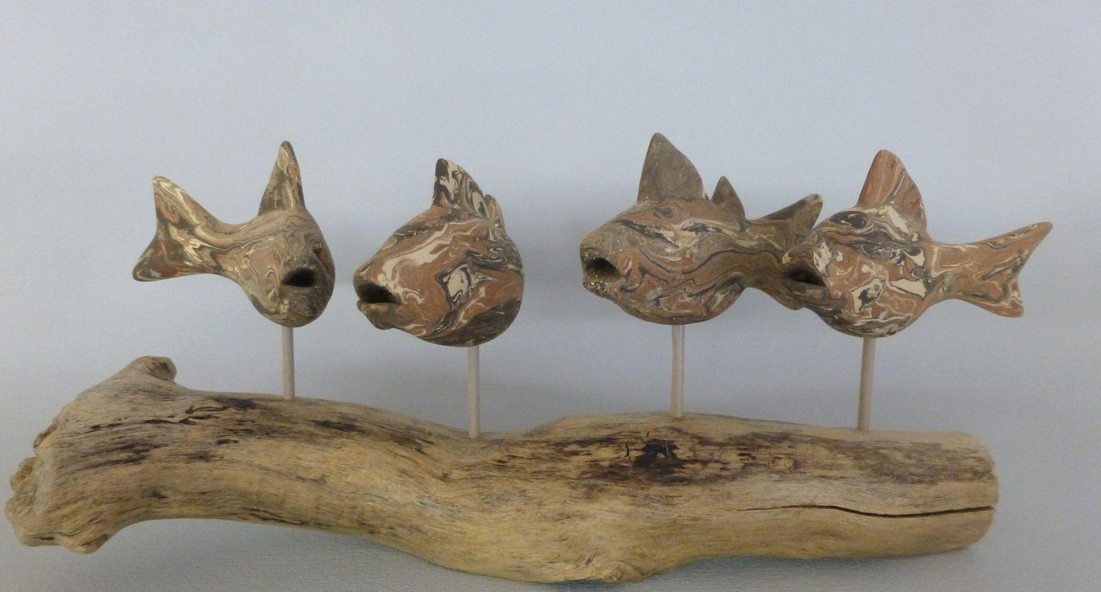 Keramikfische auf Schwemmholz 2 (Neriage)